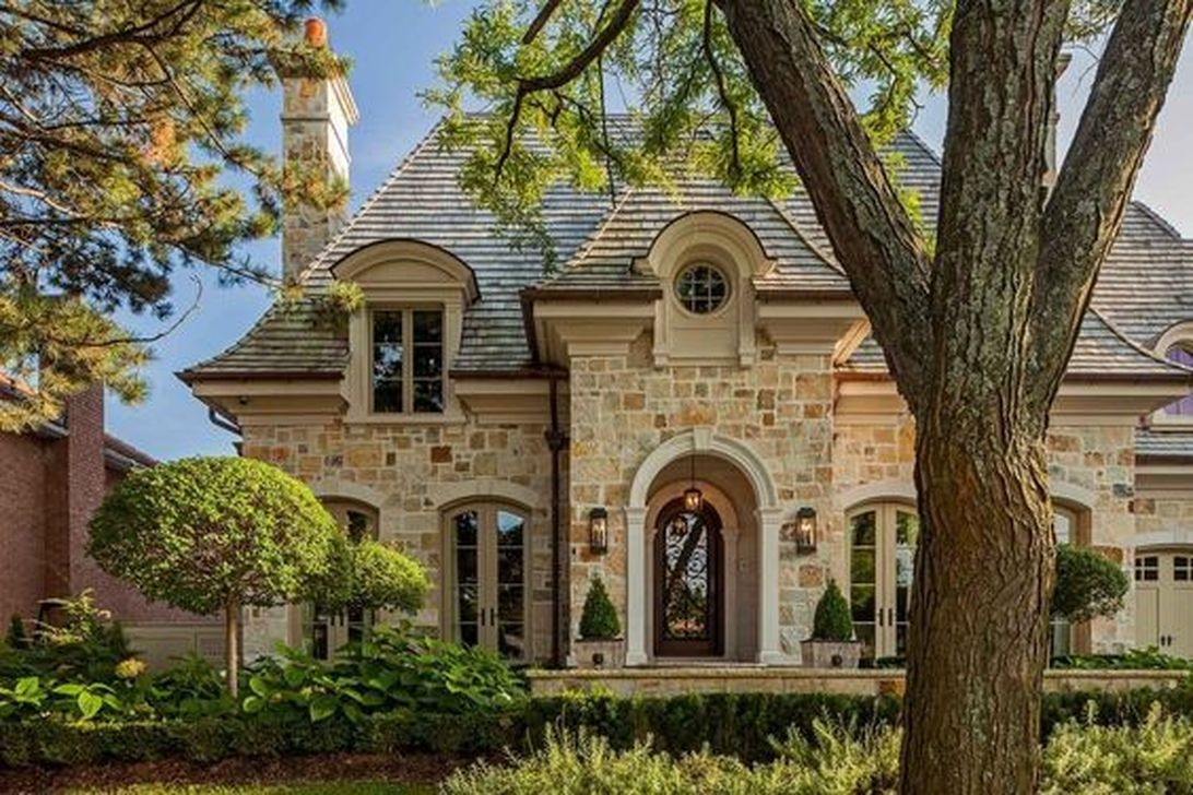 Stylish French Country Exterior For Your Home Design Inspiration 32