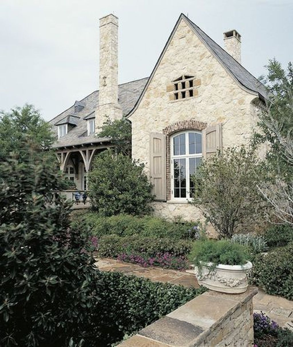 Stylish French Country Exterior For Your Home Design Inspiration 34