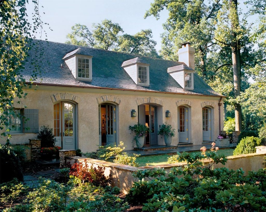 Stylish French Country Exterior For Your Home Design Inspiration 44
