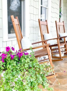 The Best Spring Porch Decoration Ideas 38
