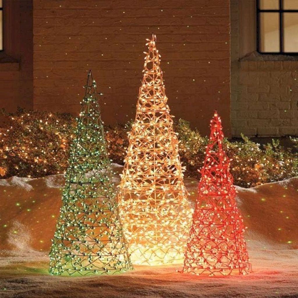Amazing Christmas Lights Tree Decoration Ideas 26