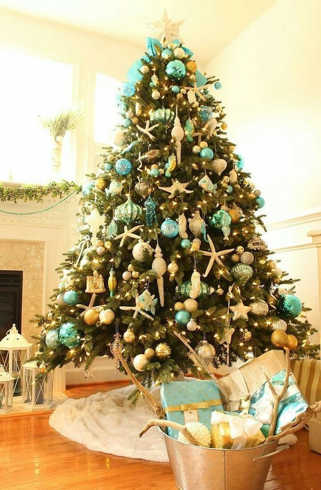 Amazing Christmas Lights Tree Decoration Ideas 29