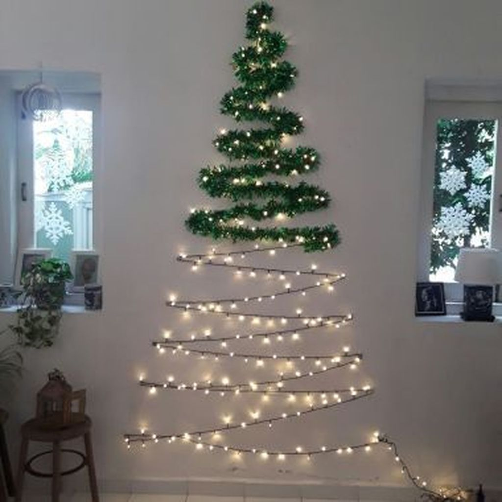 Amazing Christmas Lights Tree Decoration Ideas 35