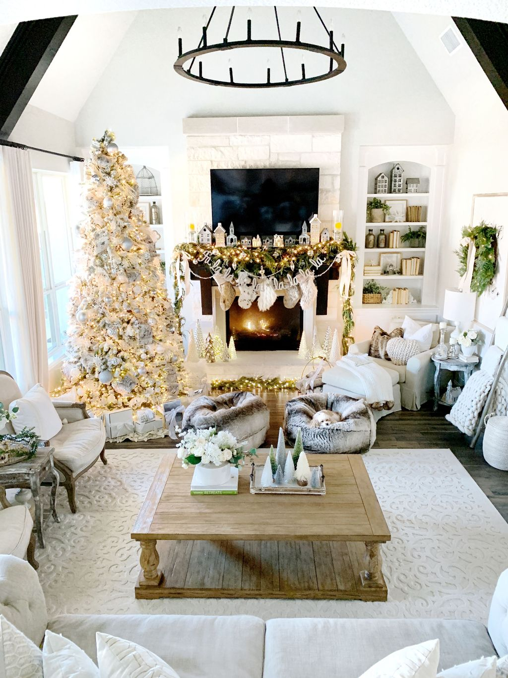 Beautiful Christmas Interior Design Ideas You Never Seen Before 01
