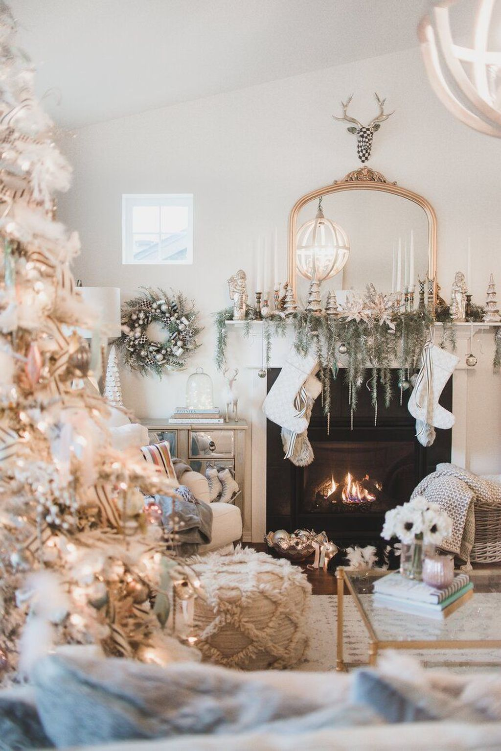 Beautiful Christmas Interior Design Ideas You Never Seen Before 14
