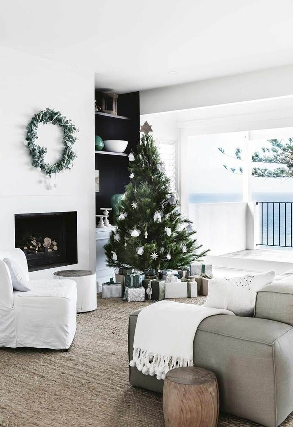 Beautiful Christmas Interior Design Ideas You Never Seen Before 36