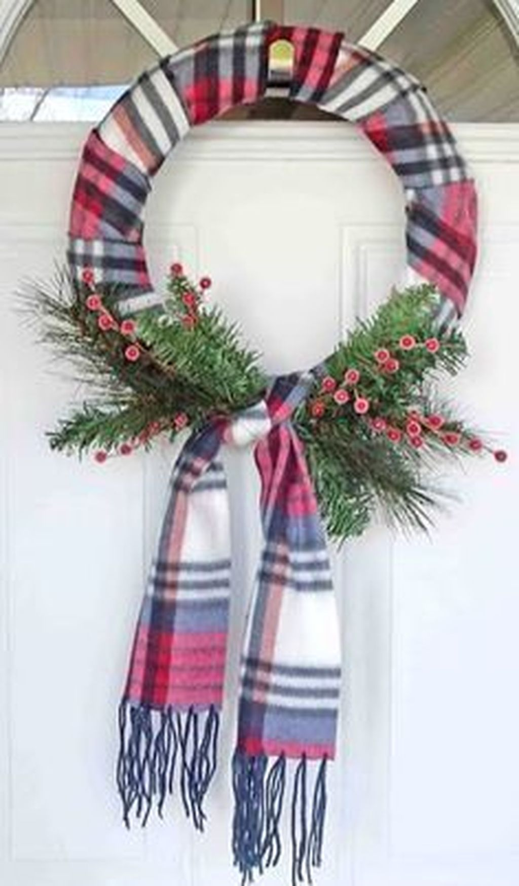 Beautiful Christmas Wreaths Decor Ideas You Should Copy Now 08