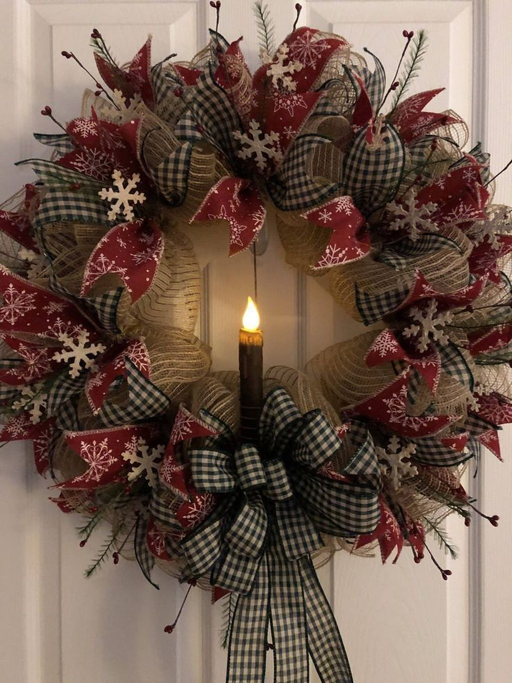 Beautiful Christmas Wreaths Decor Ideas You Should Copy Now 11