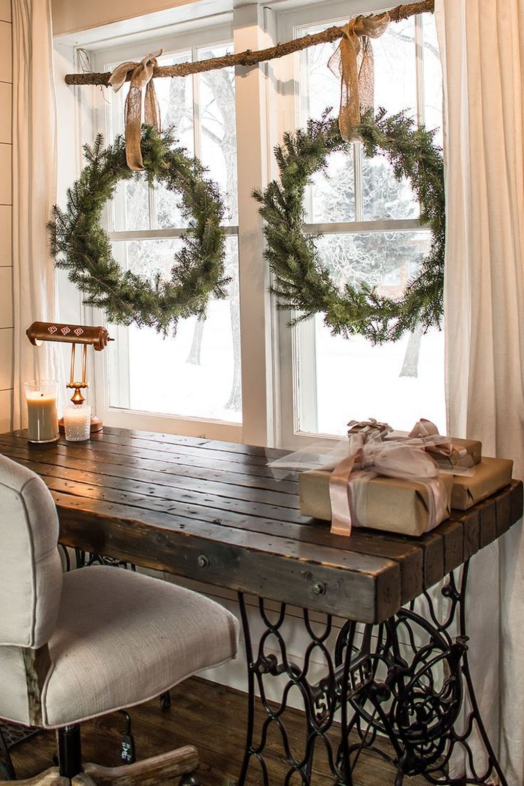 Beautiful Christmas Wreaths Decor Ideas You Should Copy Now 16