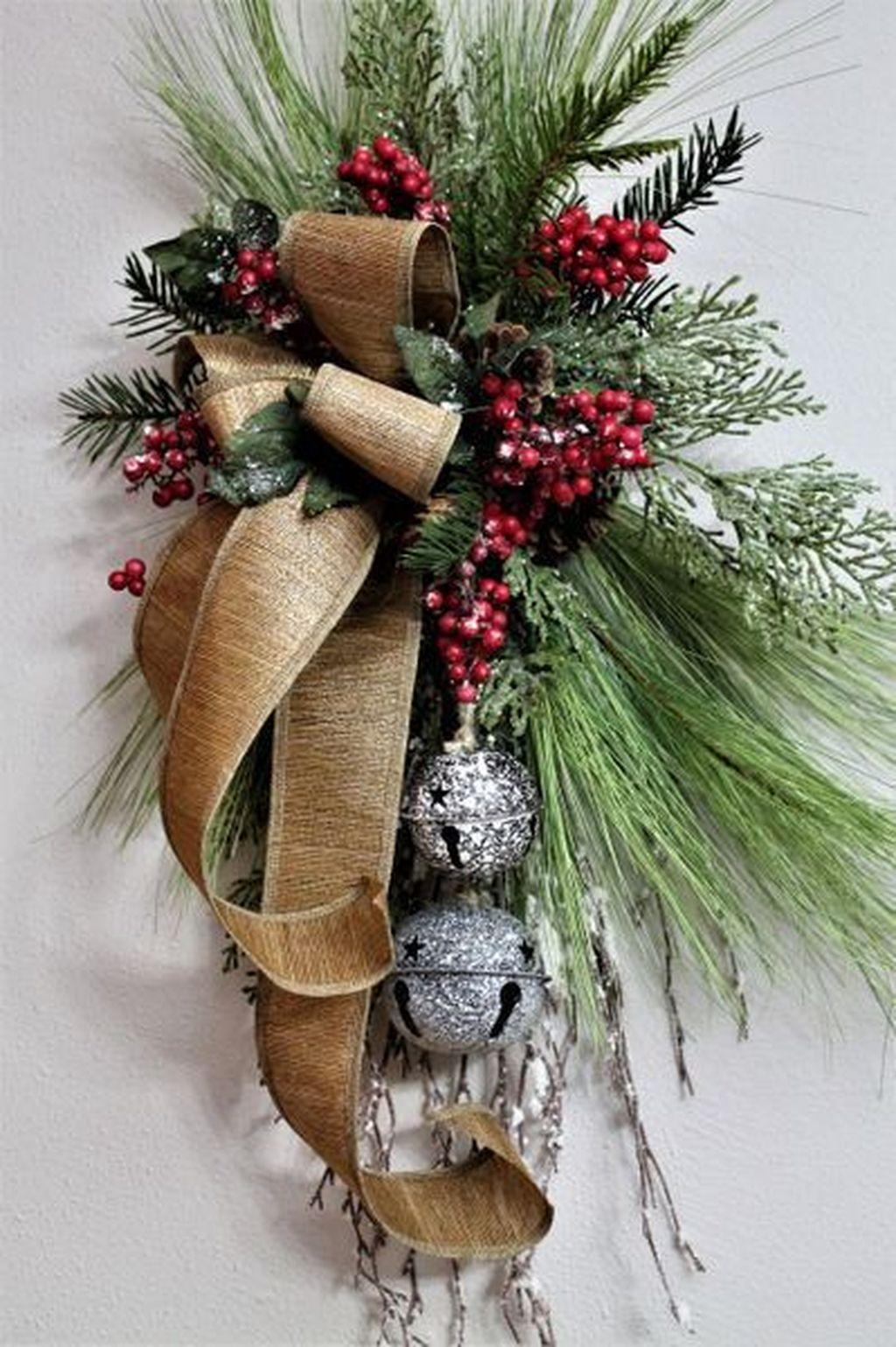 Beautiful Christmas Wreaths Decor Ideas You Should Copy Now 25