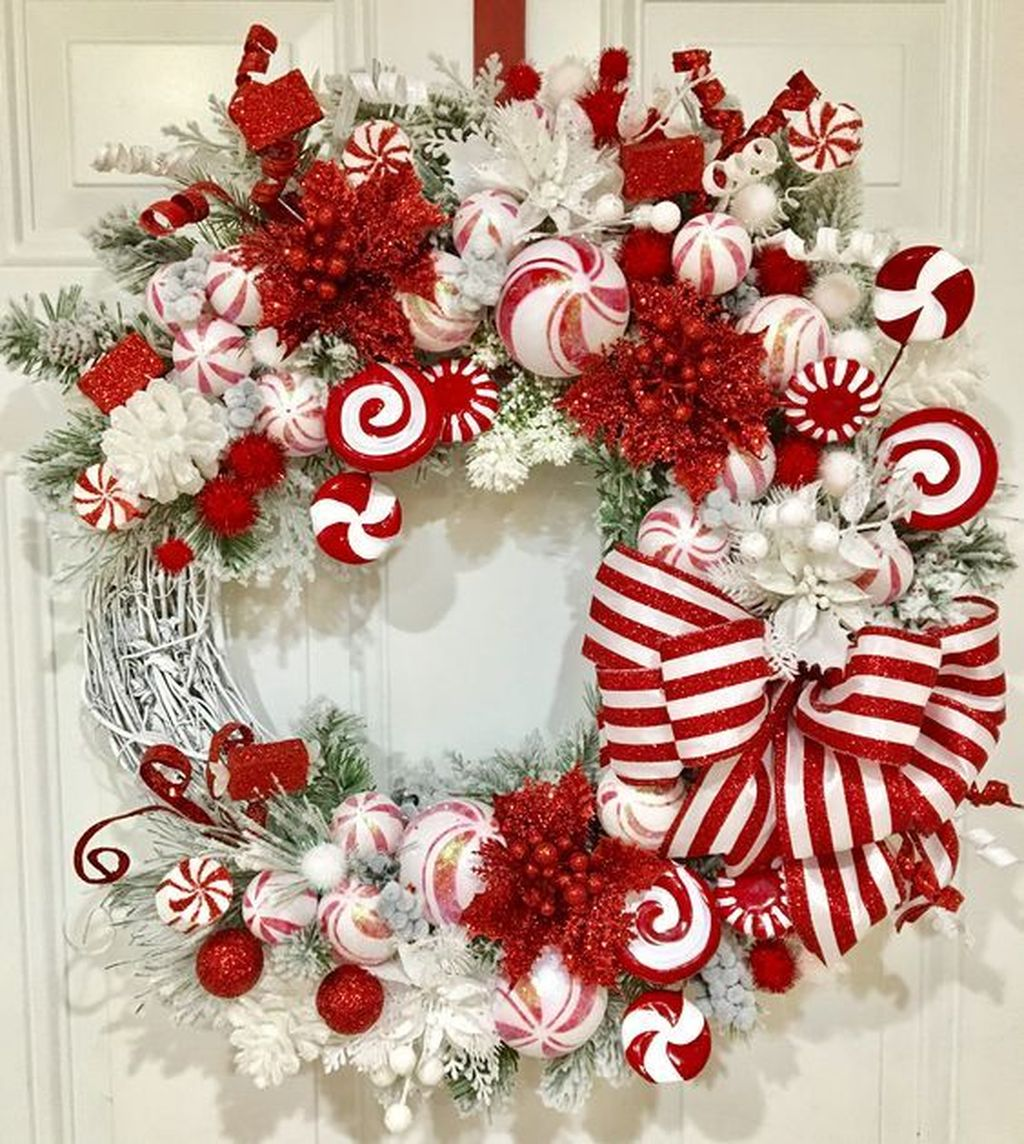 Beautiful Christmas Wreaths Decor Ideas You Should Copy Now 27
