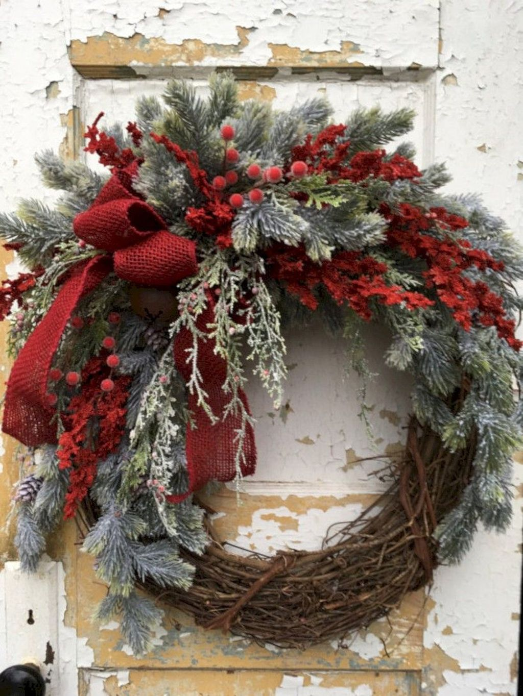 Beautiful Christmas Wreaths Decor Ideas You Should Copy Now 35