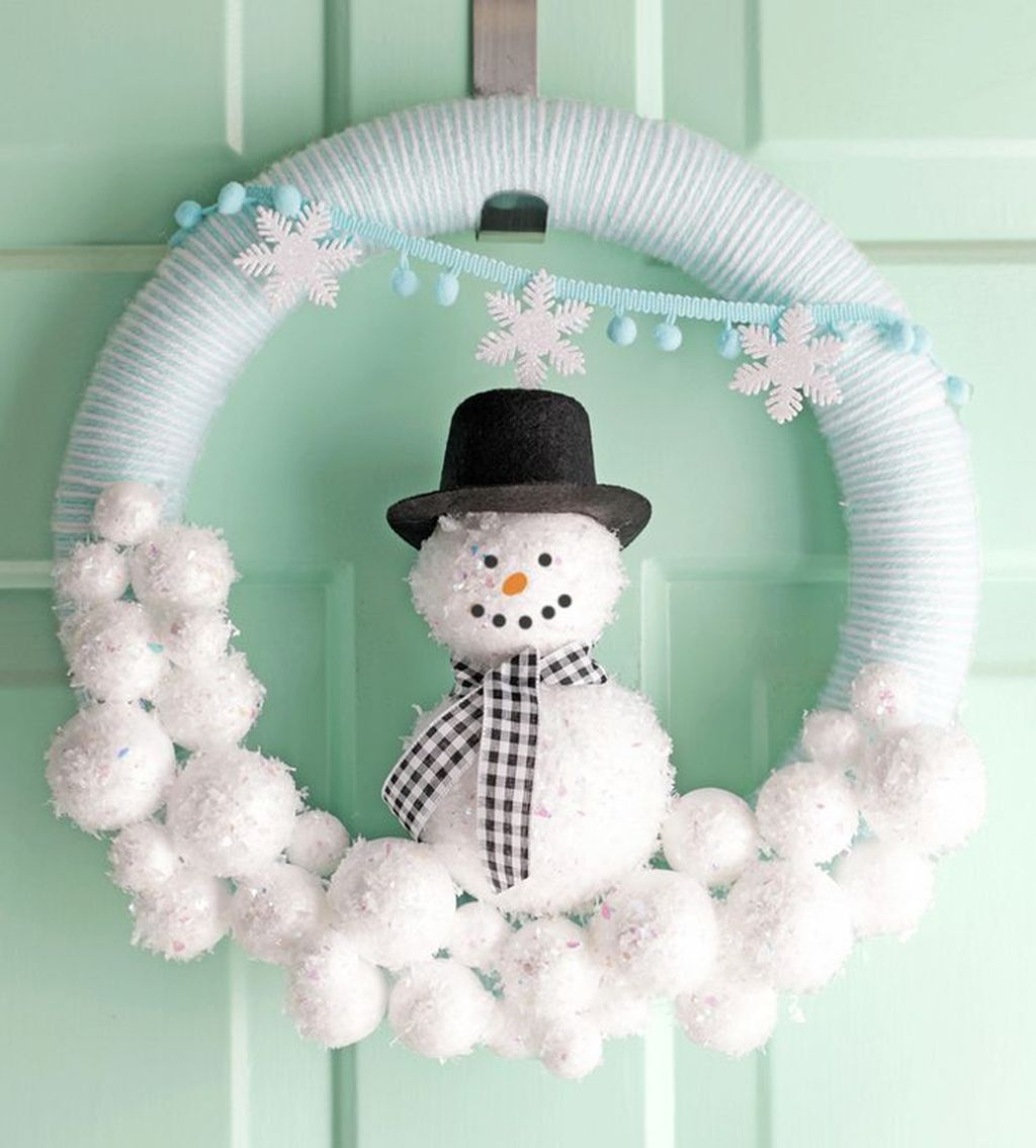 Beautiful Winter Wreaths Design Ideas 01
