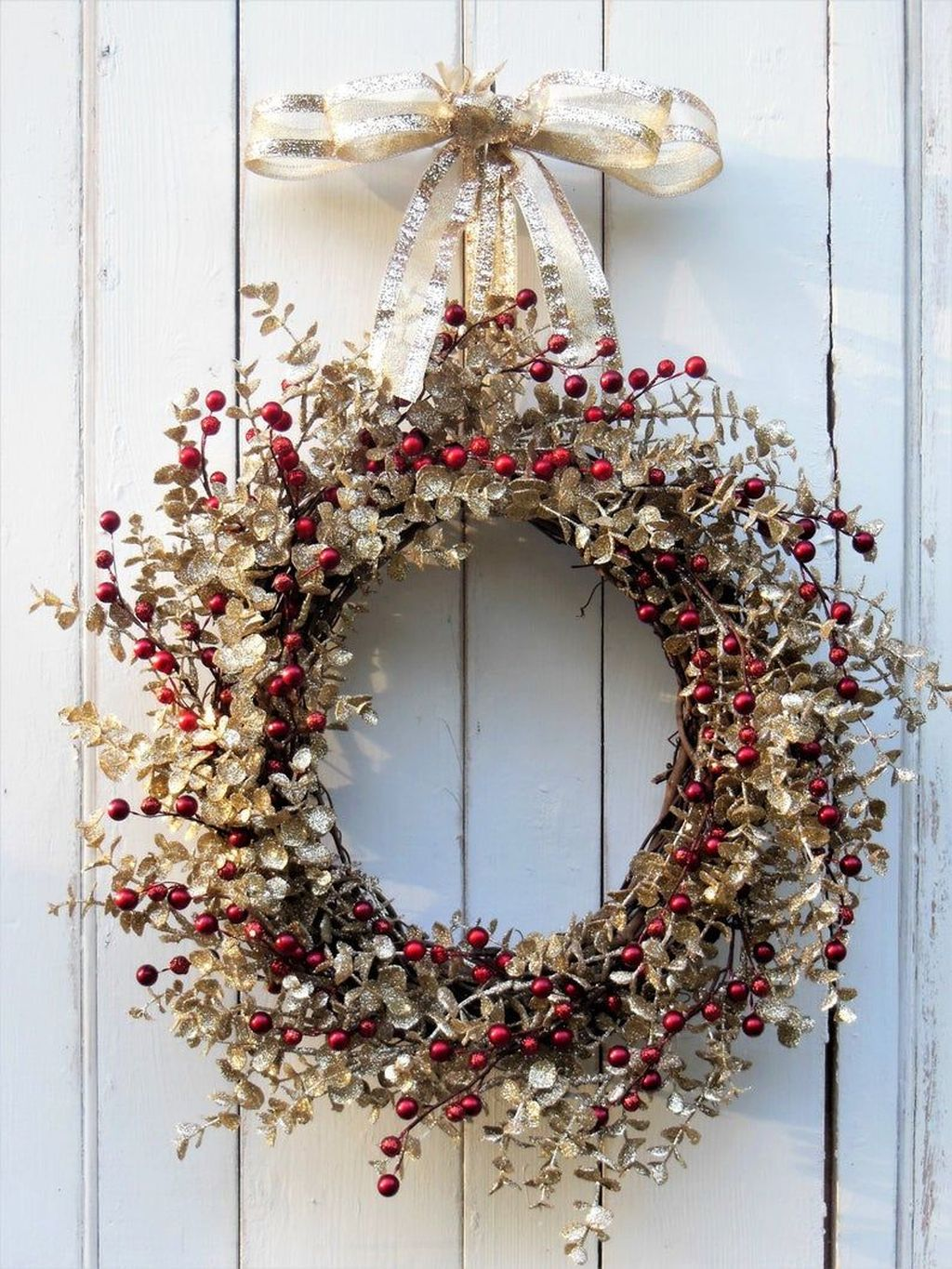 Beautiful Winter Wreaths Design Ideas 09