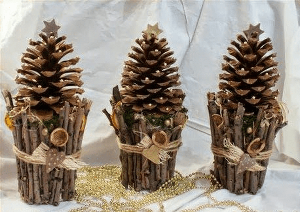Fabulous Christmas Pine Cone Decorations 01