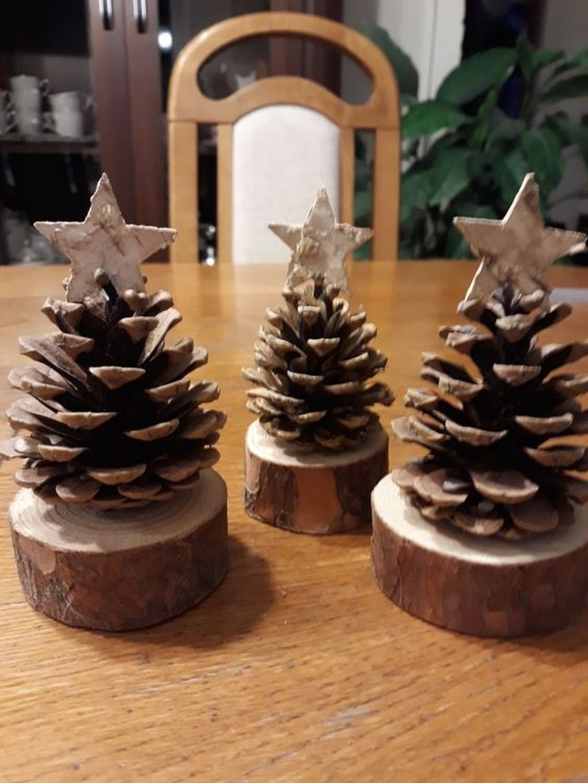 Fabulous Christmas Pine Cone Decorations 22