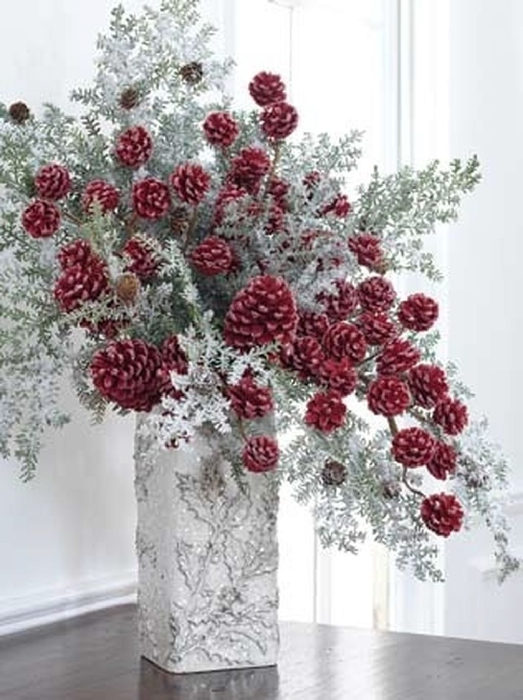 Fabulous Christmas Pine Cone Decorations 41