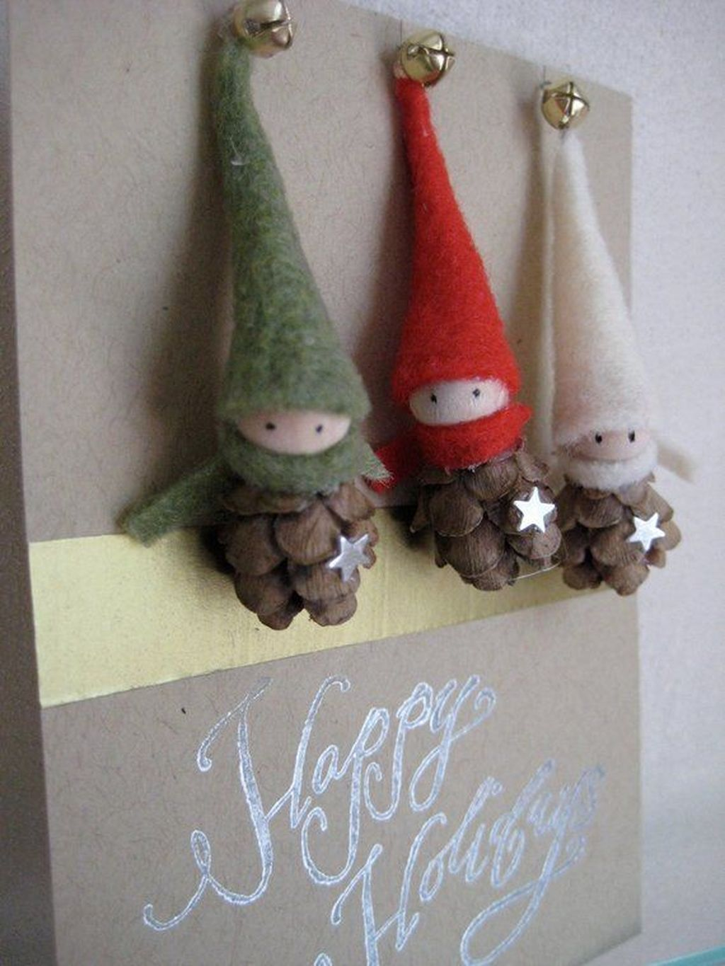 Fabulous Christmas Pine Cone Decorations 42