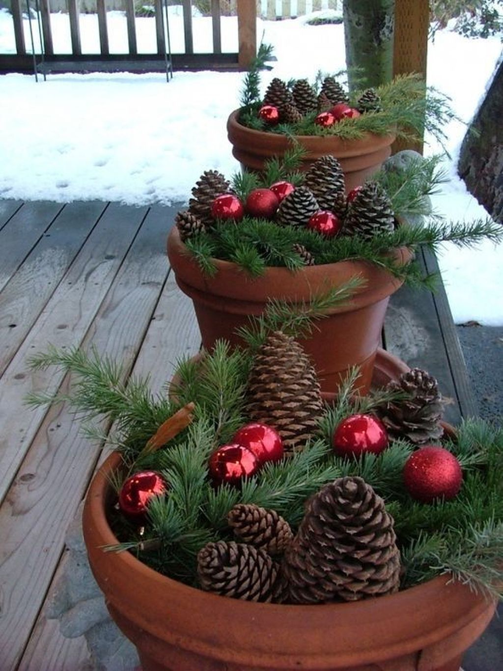 Fabulous Christmas Pine Cone Decorations 43