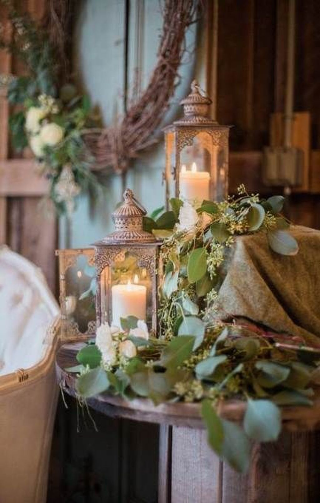 Fabulous Winter Lantern Centerpieces Ideas 16