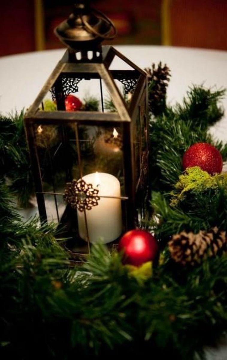 Fabulous Winter Lantern Centerpieces Ideas 34