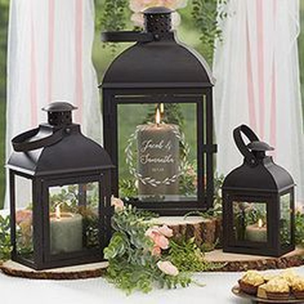 Fabulous Winter Lantern Centerpieces Ideas 41