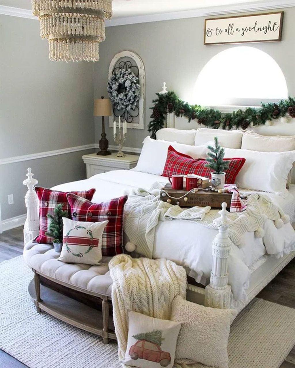 Gorgeous White Christmas Bedroom Decorating Ideas 42