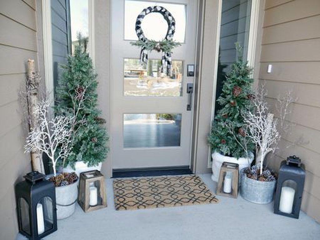 Gorgeous Winter Porch Decor Ideas 08