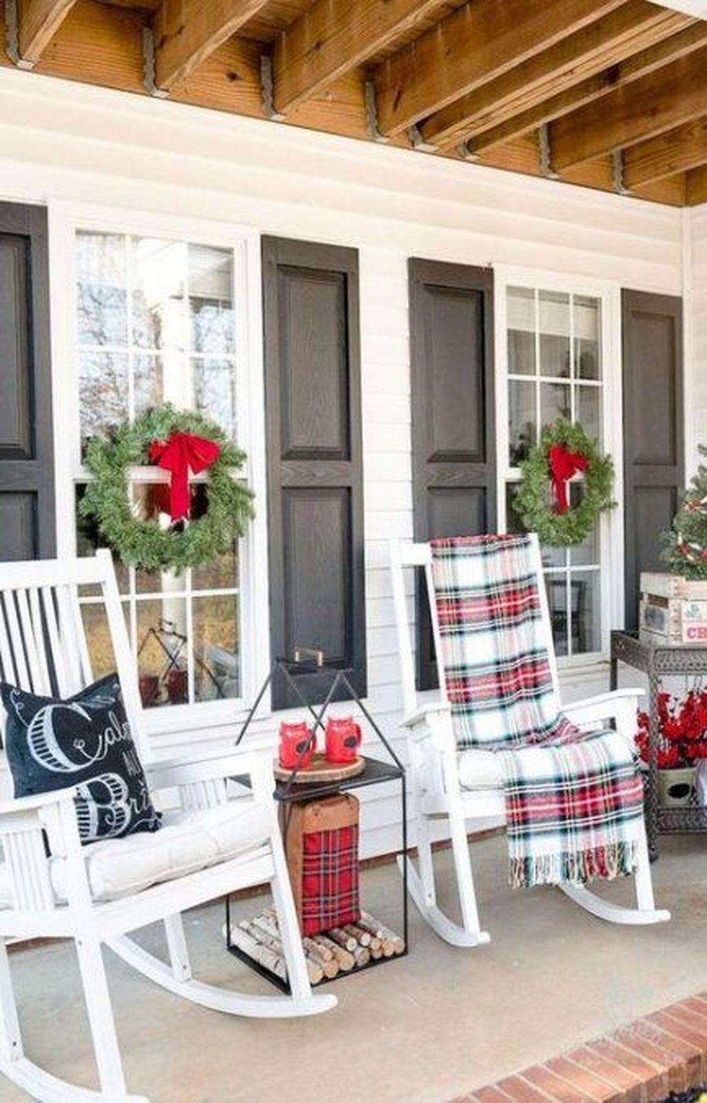 Gorgeous Winter Porch Decor Ideas 26