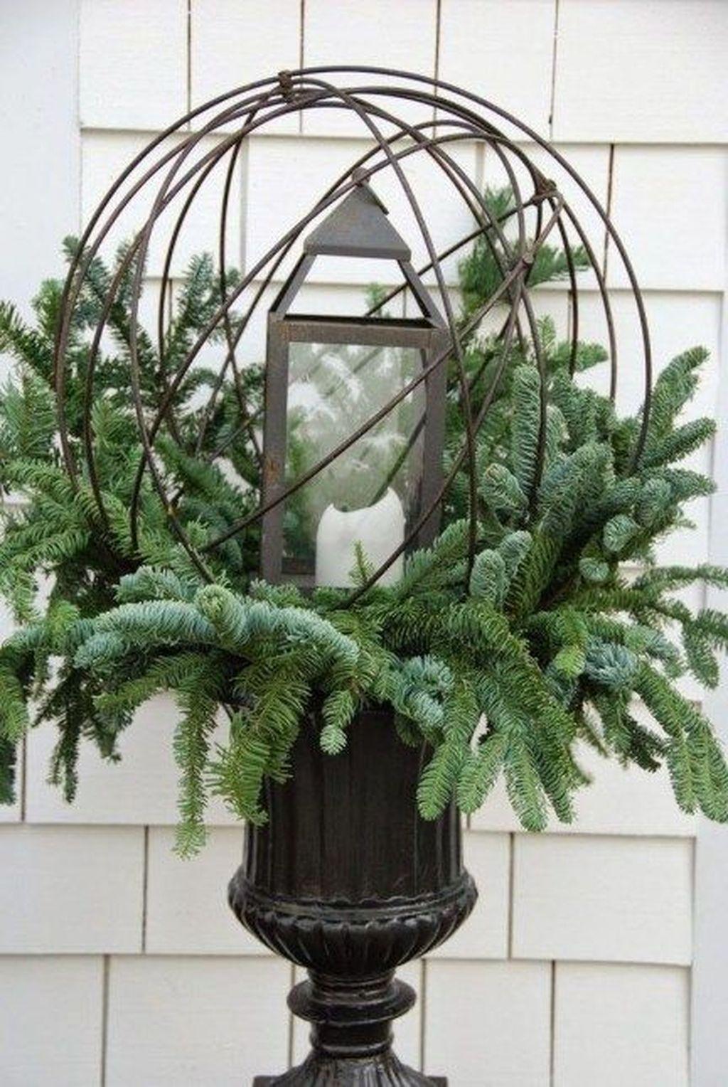 Gorgeous Winter Porch Decor Ideas 28