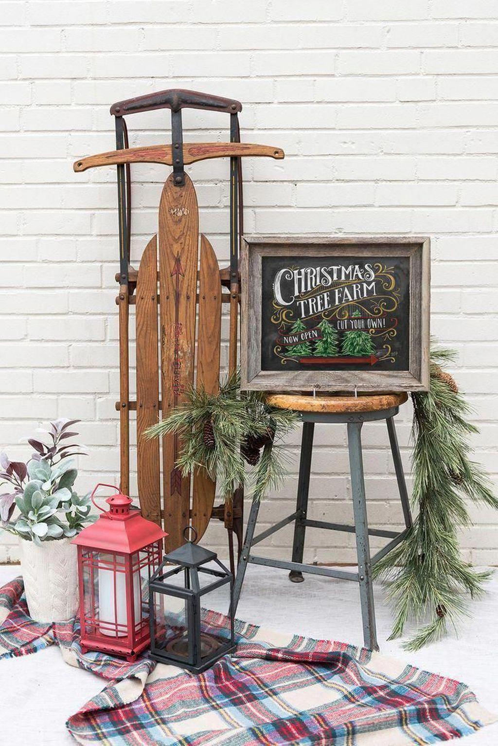 Gorgeous Winter Porch Decor Ideas 38