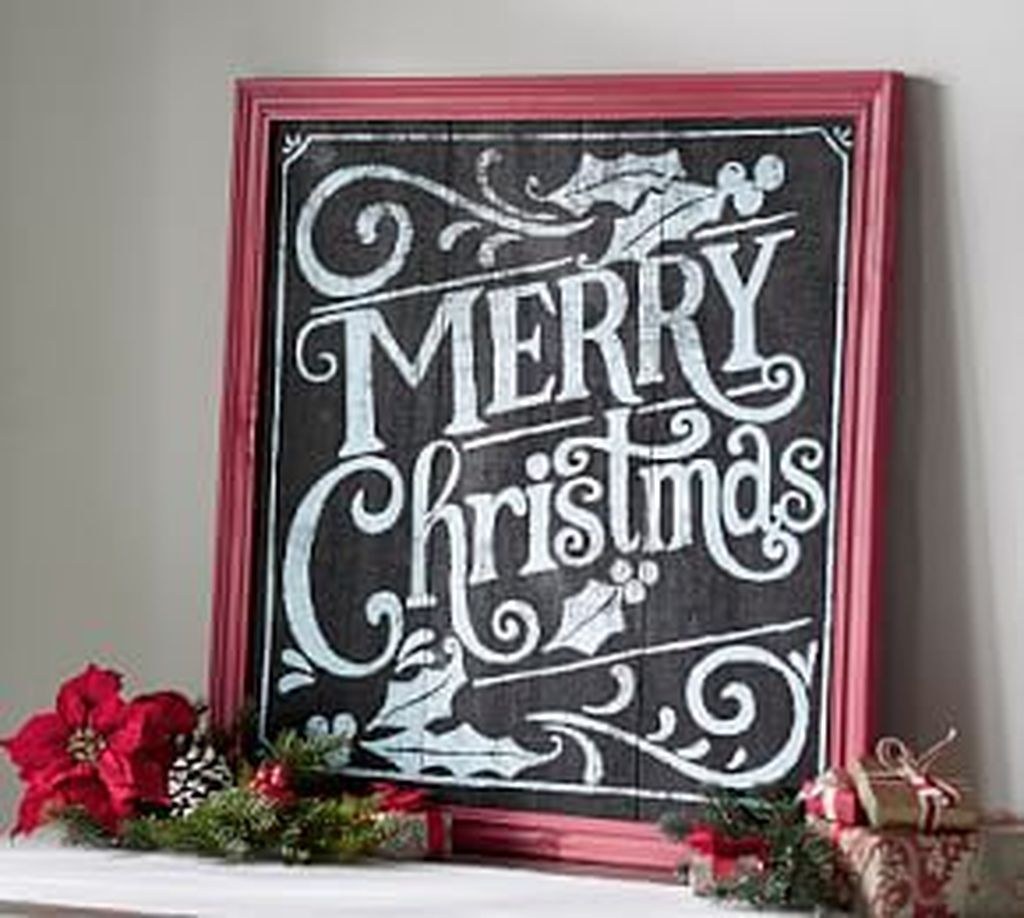 Lovely Christmas Wall Decor Ideas For Your Homes 05