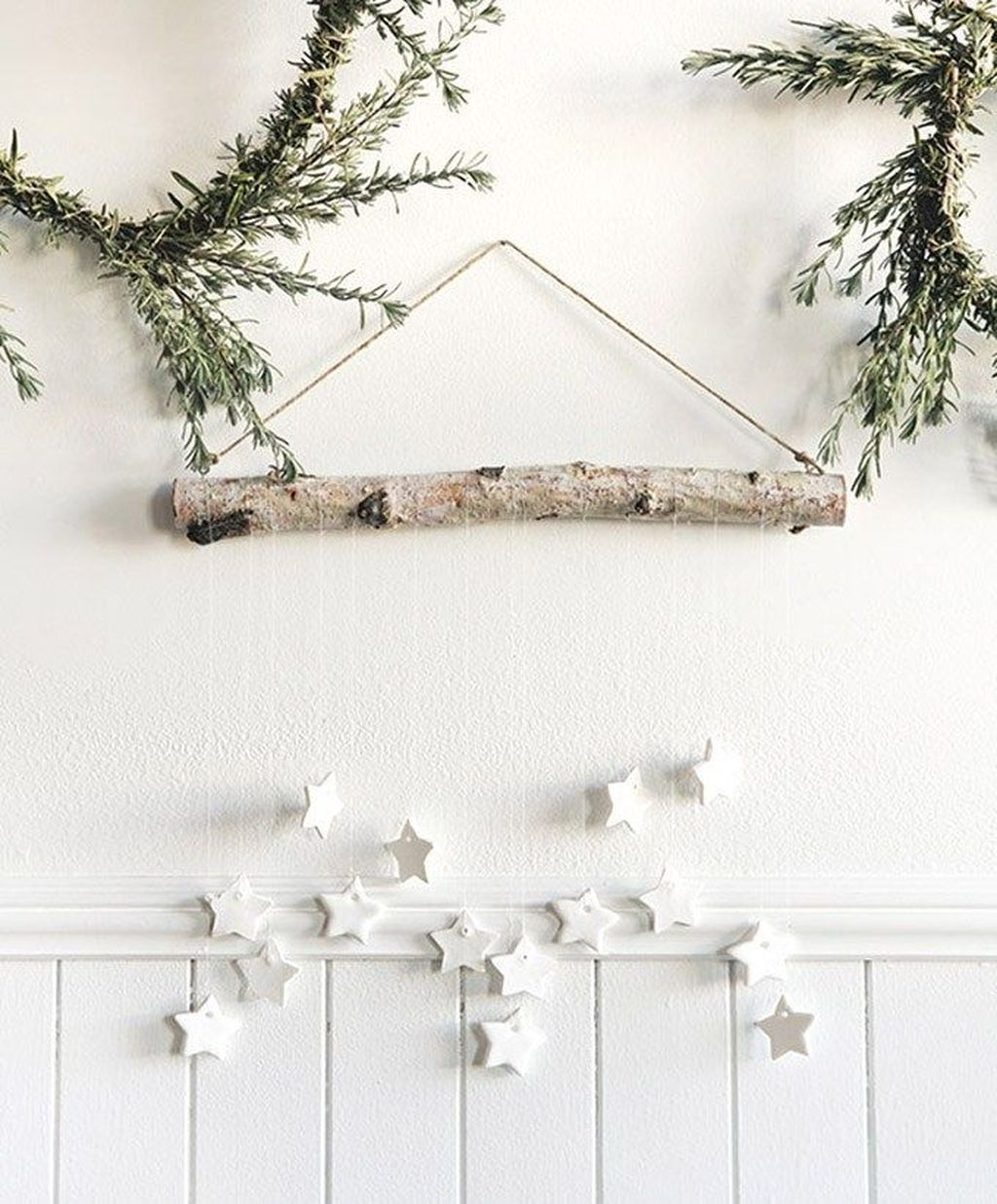 Lovely Christmas Wall Decor Ideas For Your Homes 35