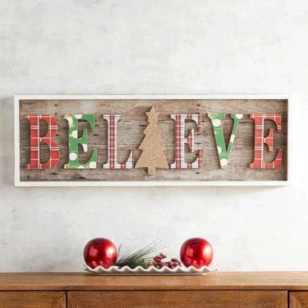 Lovely Christmas Wall Decor Ideas For Your Homes 38
