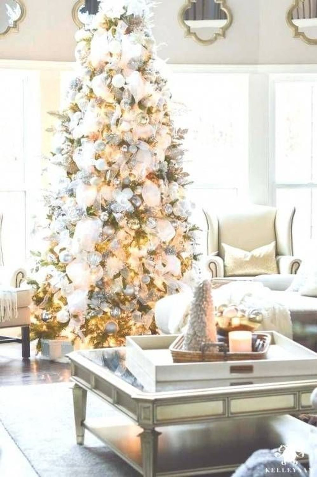 Lovely Winter Wonderland Home Decoration Ideas Look Beautiful 09