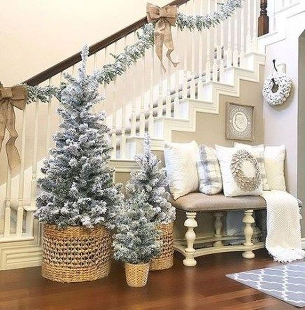 Lovely Winter Wonderland Home Decoration Ideas Look Beautiful 15