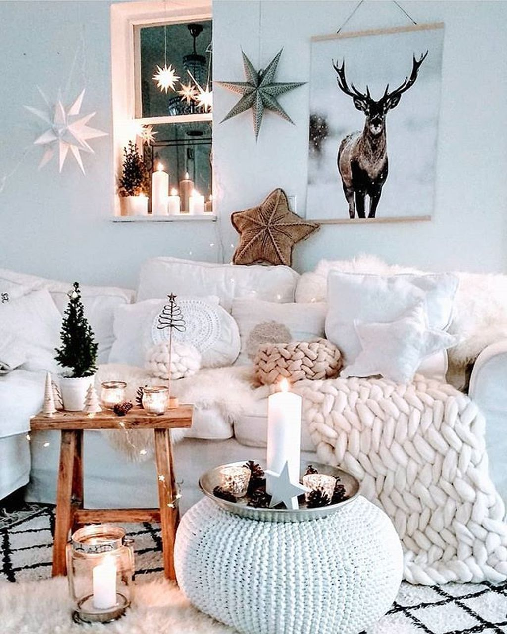 Lovely Winter Wonderland Home Decoration Ideas Look Beautiful 17
