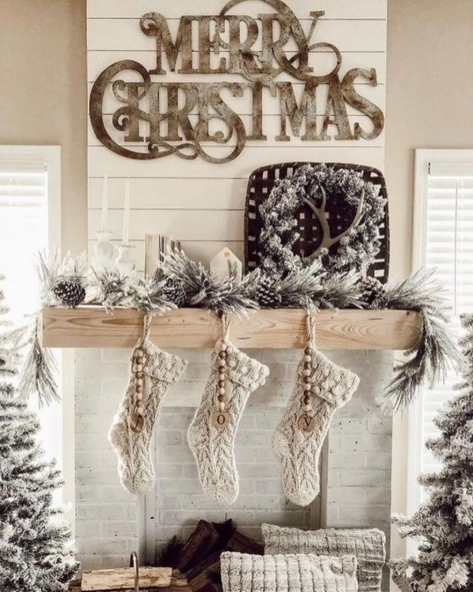 Lovely Winter Wonderland Home Decoration Ideas Look Beautiful 33