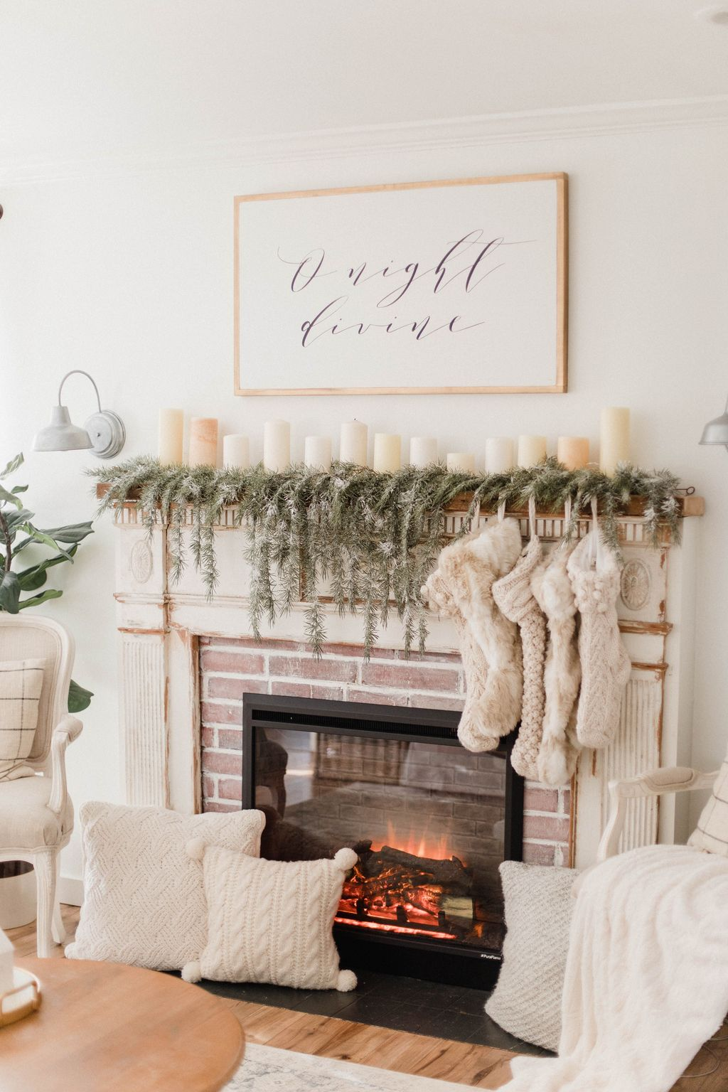 Nice Fireplace Decor Ideas Best For Wintertime 02