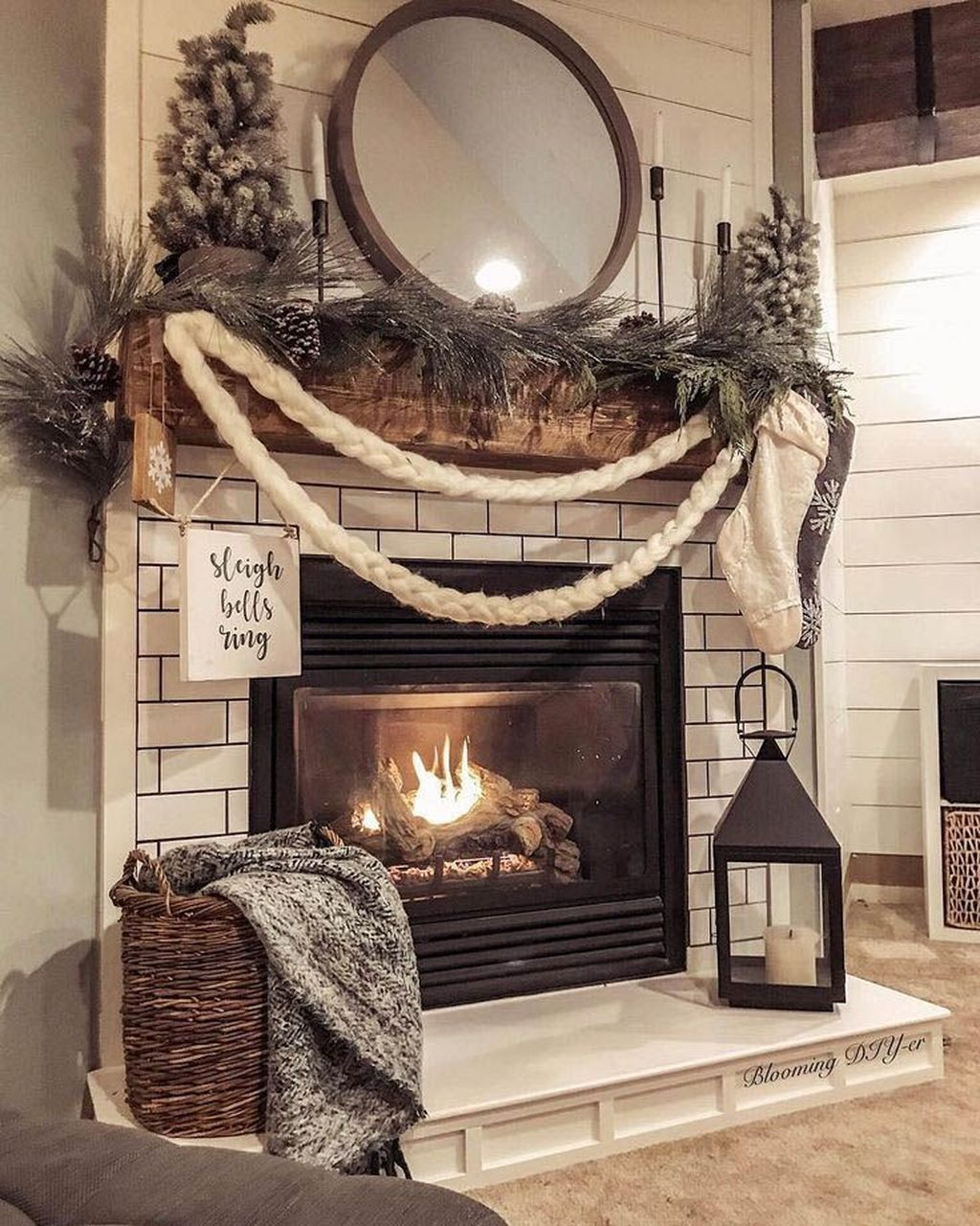 Nice Fireplace Decor Ideas Best For Wintertime 05