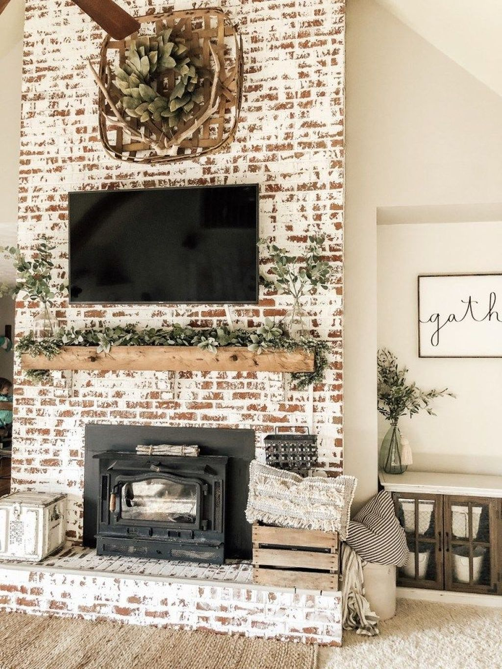 Nice Fireplace Decor Ideas Best For Wintertime 19