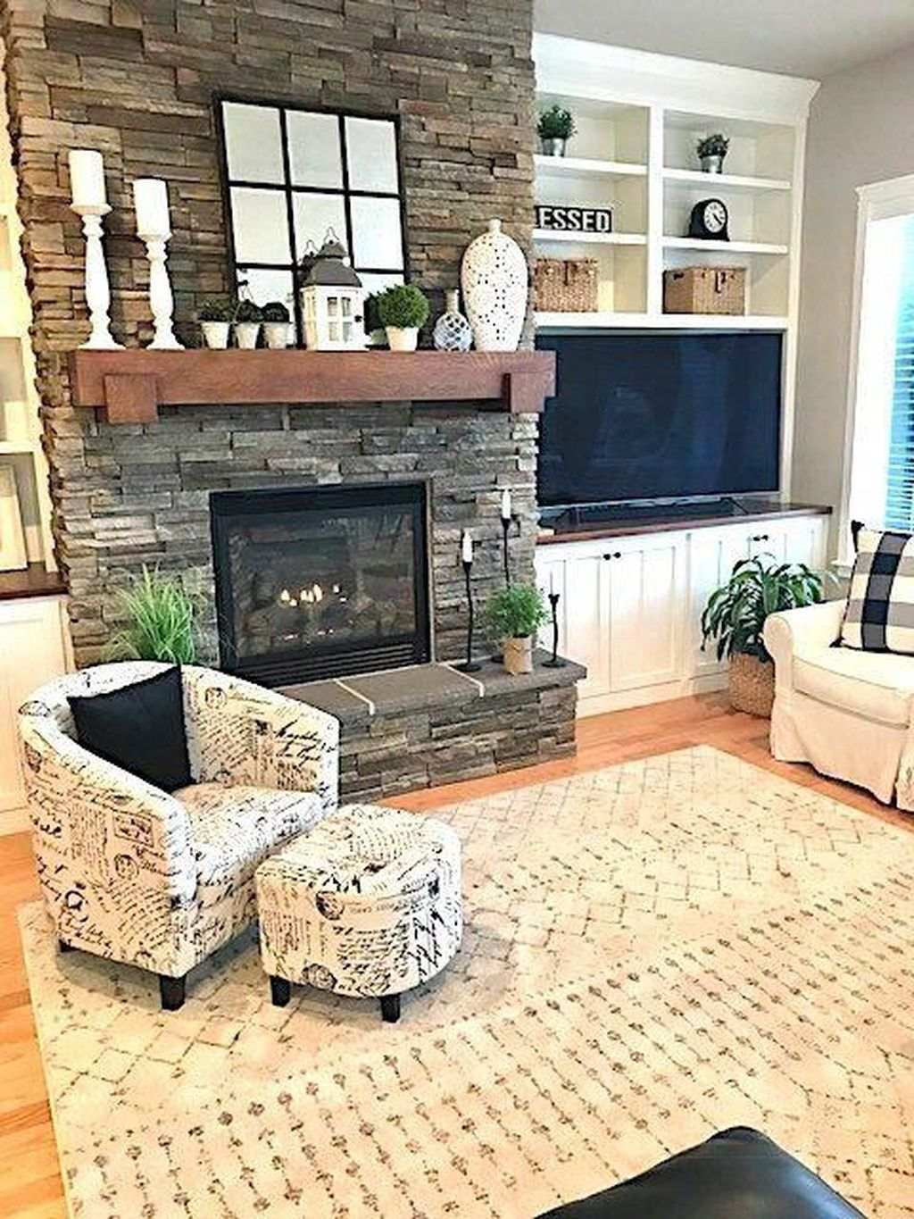 Nice Fireplace Decor Ideas Best For Wintertime 21