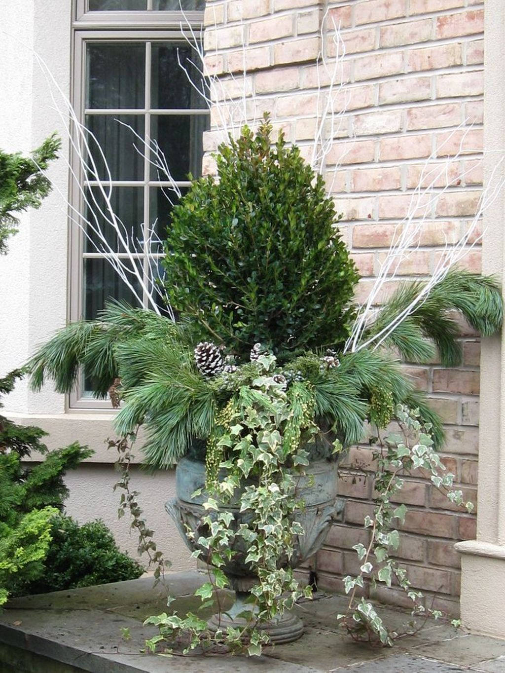 Perfect Outdoor Winter Planters Ideas 11