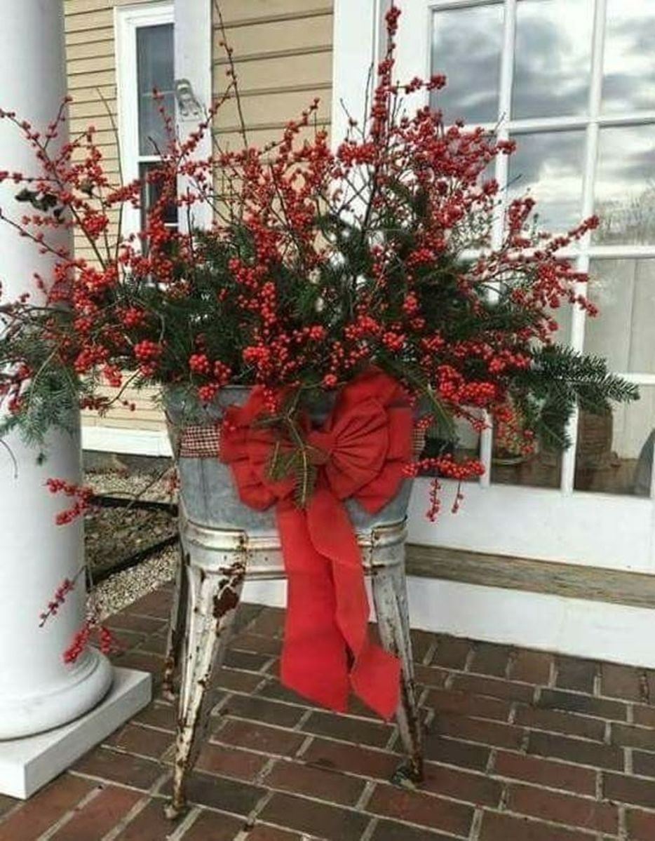 Perfect Outdoor Winter Planters Ideas 32