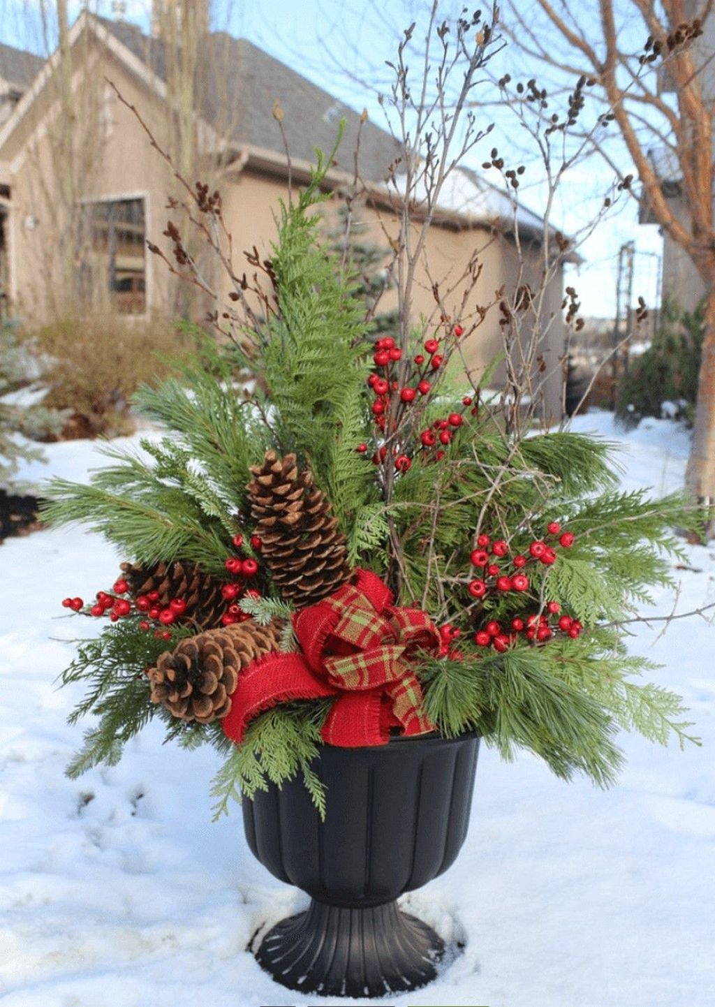 Perfect Outdoor Winter Planters Ideas 33