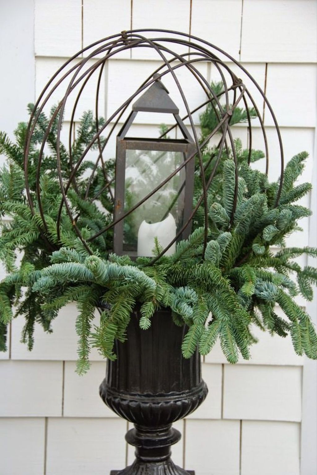 Perfect Outdoor Winter Planters Ideas 38