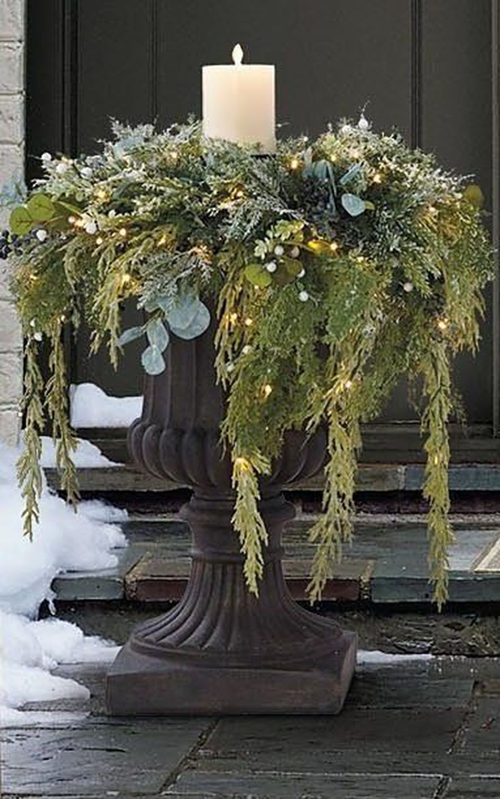 Perfect Outdoor Winter Planters Ideas 40