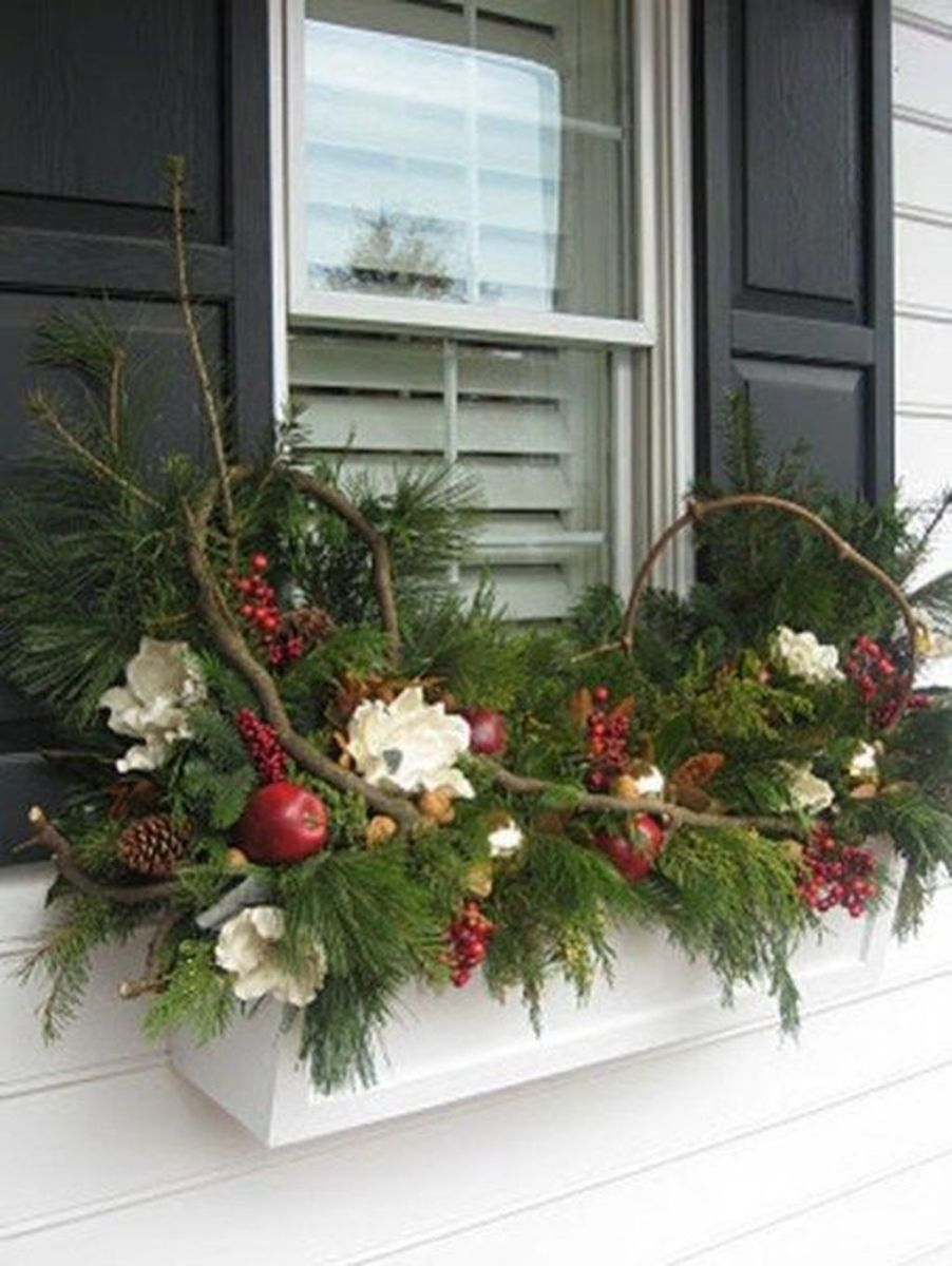 Perfect Outdoor Winter Planters Ideas 43