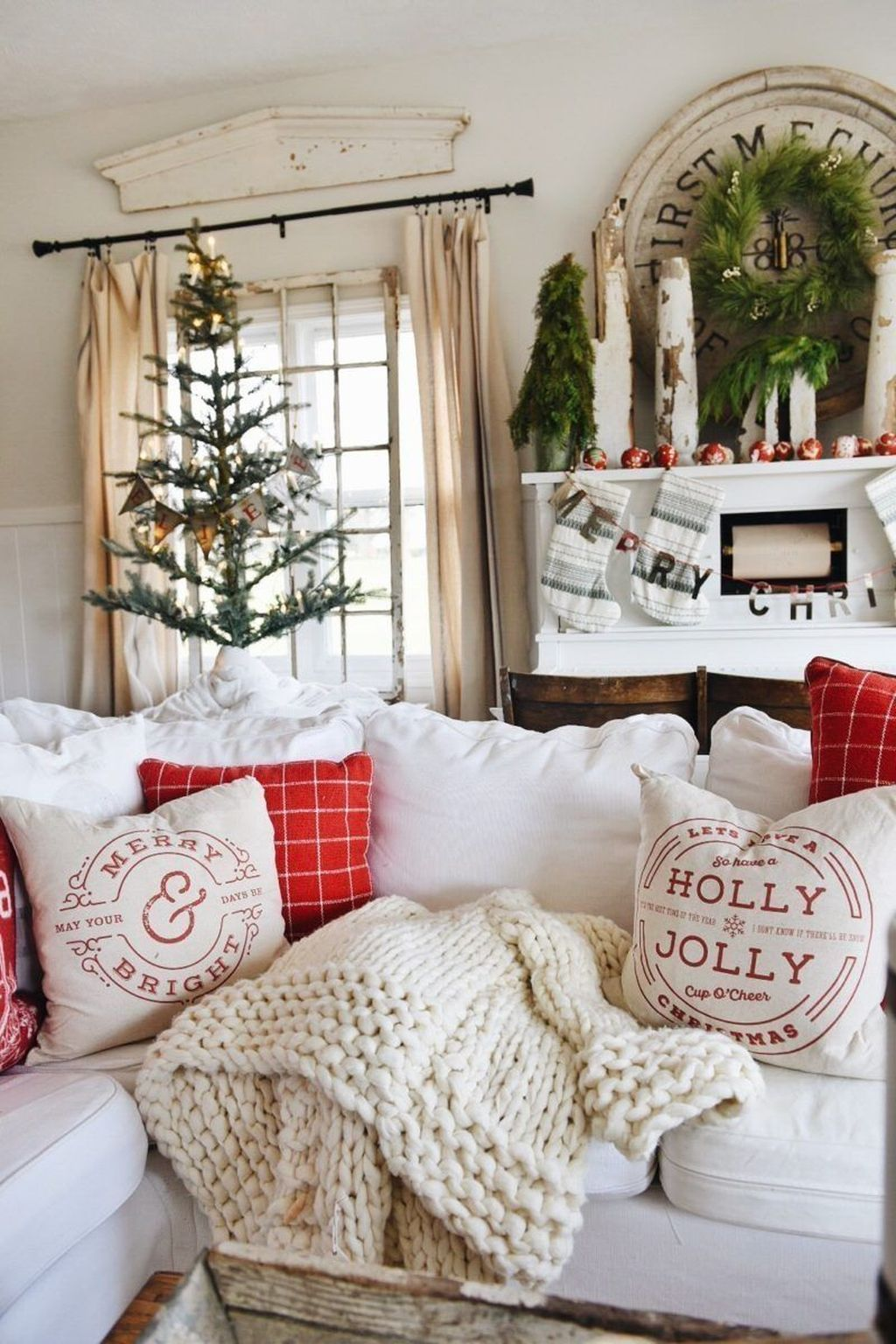 Popular Christmas Theme Apartment Decorations 14