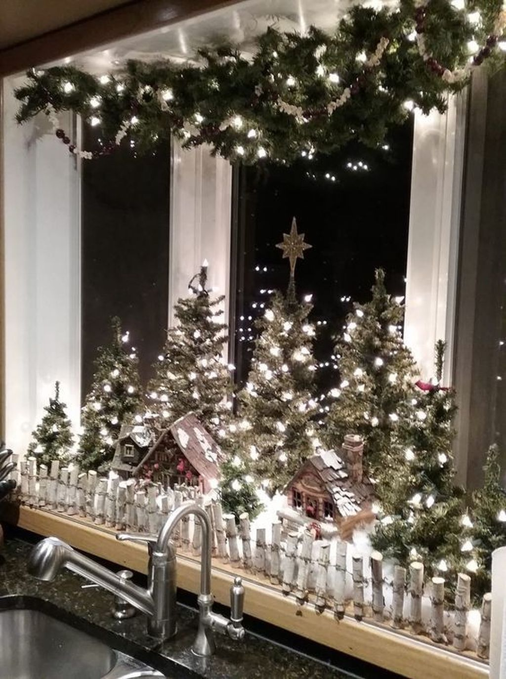 Popular Christmas Theme Apartment Decorations 23